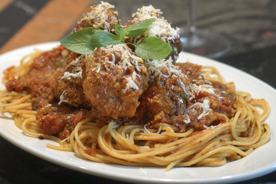 ** FOR USE WITH AP WEEKLY FEATURES **  Spaghetti and Meatballs as prepared by food writer David Rosengarten reflect what he says is an American pairing of Italian foods, photographed in his New York City kitchen, Friday, May 28, 2004. Rosengarten says meat was not originally served with pasta. He laments the fact that meatballs rarely appear on American menus today, seeing them as one of the ethnic foods that are disappearing from the American dining scene.(AP Photo/Richard Drew)